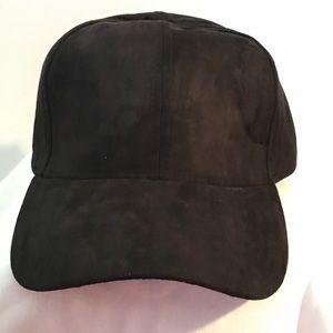 FAUEX SUEDE BLACK BASEBALL CAP DAD HAT